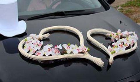 Прикрашання машини на весілля